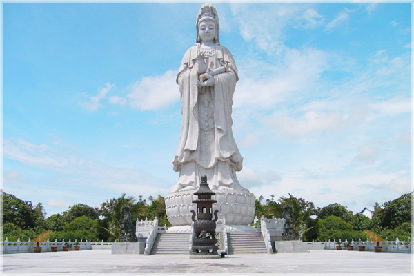 patung-kwan-im